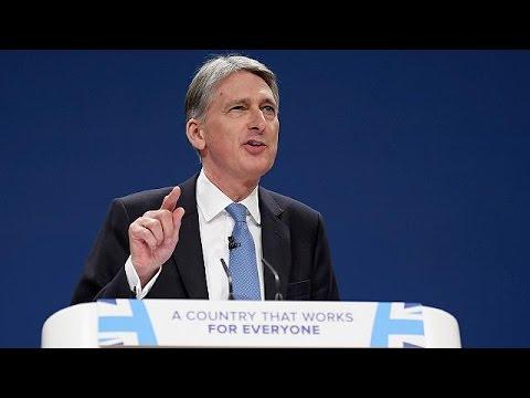 UK Finance Minister Philip Hammond seeks to reassure British businesses