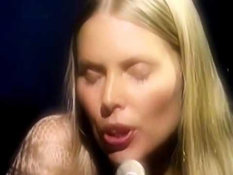 Joni Mitchell Woodstock Anthem - Live 1970