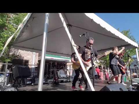 Super-Tugger at Thin Man Summer Solstice Street Festival