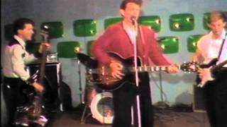 "Chris Isaak & Silvertone""GoneRidin.mov"