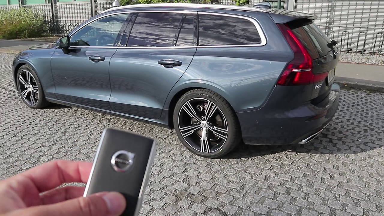 Volvo V60 Cross Country >> 2019 Volvo V60 Inscription: Exterior & Interior Tour! - YouTube