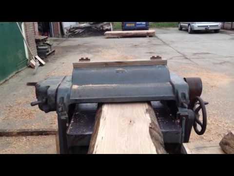Tafelblad maken van boomstamhout youtube for Tafelblad maken