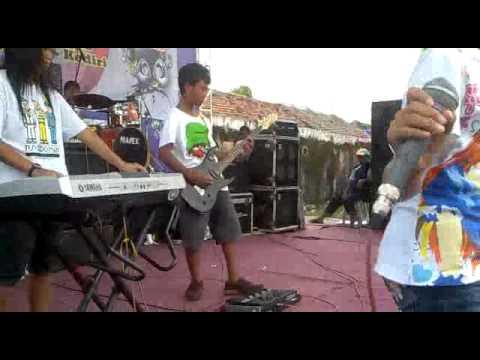 Diam tanpa Kata ( D'Masiv ) - d'gankxal Band.mp4