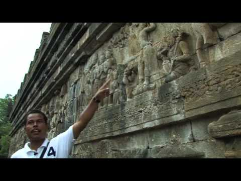 Borobudur - Largest Buddhist Monument in Indonesia - HD
