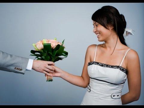 какие цветы подарить девушке? Секрет в видео - смотри.