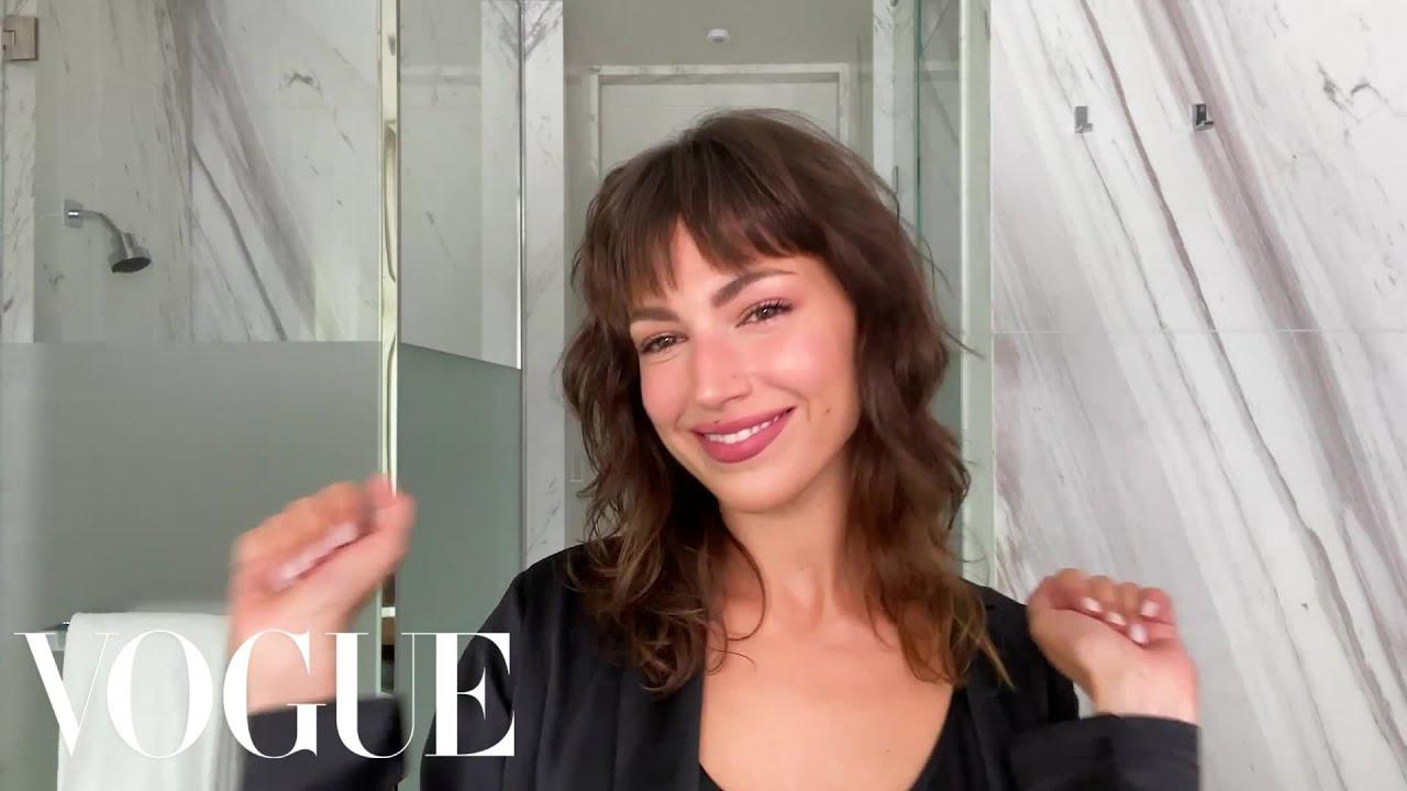 Money Heist's Úrsula Corberó Breaks Down Her Perfectly Pink Makeup Routine | Beauty Secrets | V