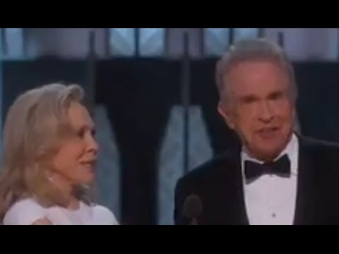 2017 OSCARS SHOCK! REVIEW - Moonlight wins Best Picture after La La Land mixup!