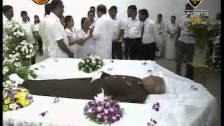 Video News1st President Sirisena pays final respects to late Sisira Senaratne download MP3, 3GP, MP4, WEBM, AVI, FLV November 2017