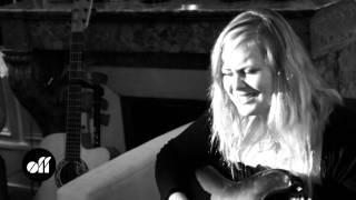 "OFF COVER - Juliette Katz: ""Étienne"" (reprise de Guesch Patti)"
