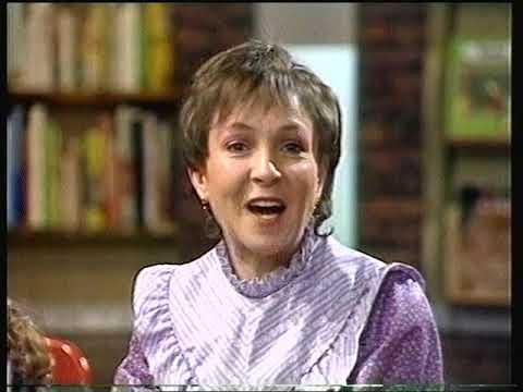 BBC SCHOOLS - WORDS AND PICTURES: Not Now Bernard / Prehistoric Animals (TX 14/03/83)