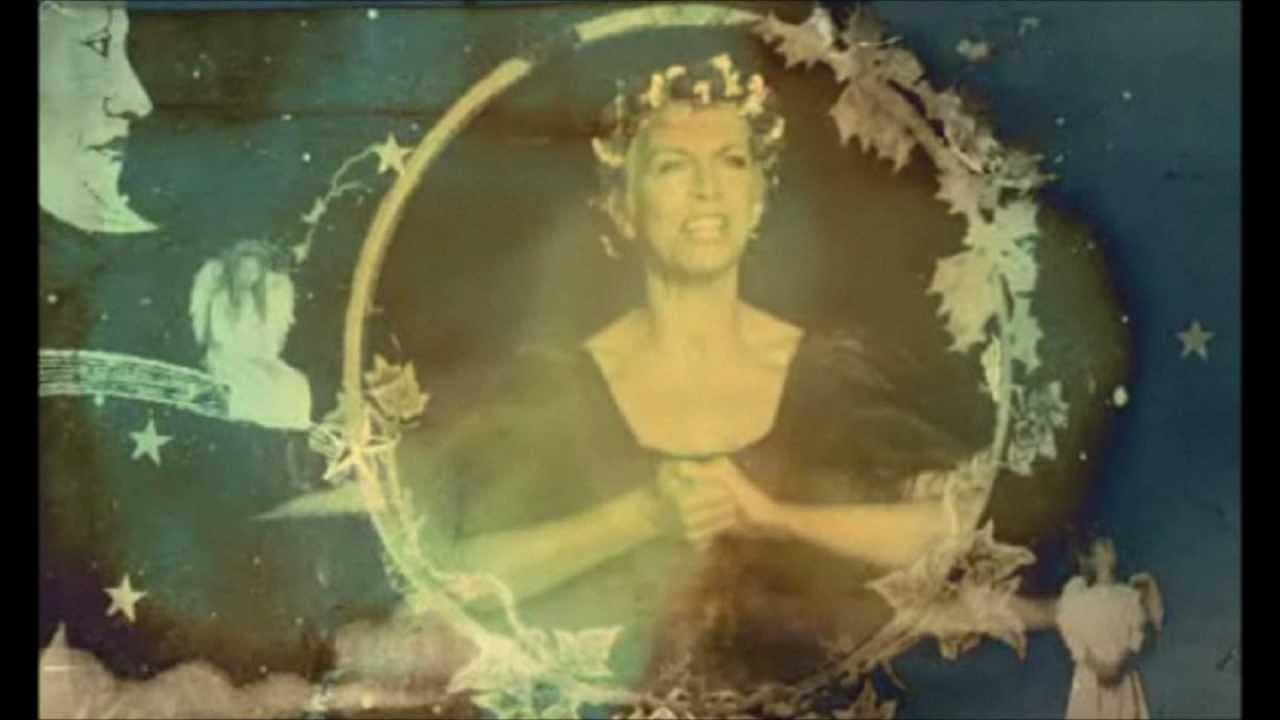 Annie Lennox (Soundtrack) - God Rest Ye Merry Gentlemen - YouTube