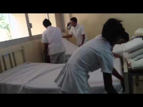 Tendido de cama paso 1 youtube for Cama quirurgica