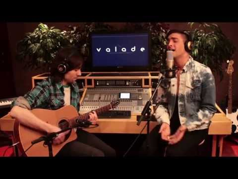 Sia - Chandelier (Acoustic cover by Valade)