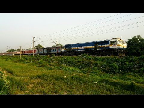 Swatantrata senani Superfast rushes towards Muzaffarpur jn