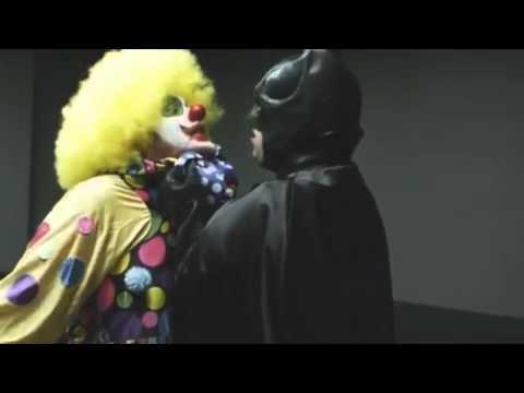 Batman verhört den falschen Clown