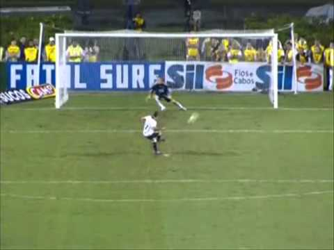 Julio Cesar  defende penalti Leva Corinthians para Final do Campeonato Paulista