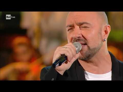"""Alessandro Canino canta """"Brutta""""- Ora o mai più 08/06/2018"""