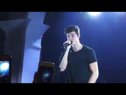 Shawn mendes crying