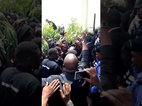 Plateau Killings: Aggrieved Youths Storms Government House In Massive, Violent Protest (Watch Video)