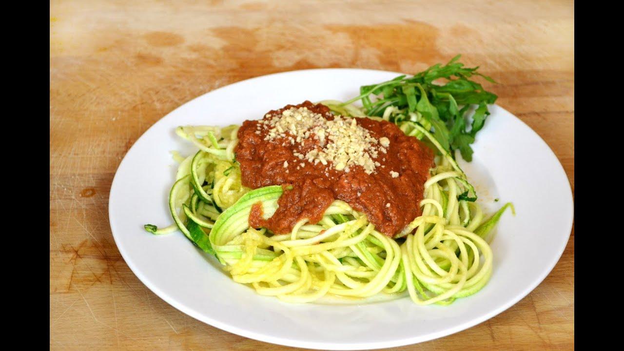 rohkost gem se spaghetti mit tomatensauce super einfach roh vegan glutenfrei low carb youtube. Black Bedroom Furniture Sets. Home Design Ideas