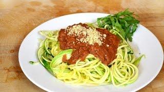 Rohkost Gemüse Spaghetti mit Tomatensauce super einfach, roh vegan, glutenfrei & low carb