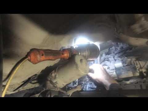 Citroen. C3. Замена сальников приводов и кулисы.