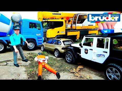 Полицейская машинка Джип Ловим преступника на БМВ. Видео с машинками Брудер.