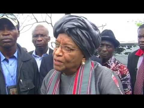 PROTESTING STUDENTS ENGAGE PREZ ELLEN JOHNSON SIRLEAF