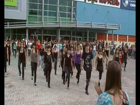 Флешмоб имени Майкла Джексона в Уфе Michael Jackson FlashMob uFa