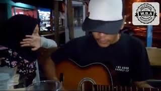 Download lagu Cowok ini nyanyi lagu sedih si cewek ampe nangis karena cinta tak di restu