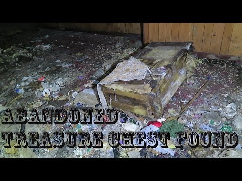 ABANDONED Hoarder House Everything Left Behind