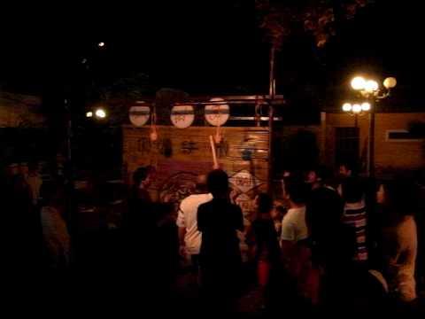 People playing Bịt mắt đập niêu, Hội An
