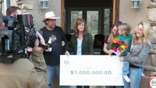 RICH GET RICHER WITH A PUBLISHERS CLEARING HOUSE GIANT CHECK  PRANK
