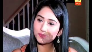 Repeat youtube video Fan Number 1: Biggest fan of Disha Parmar meets her