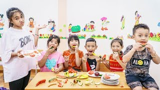 Kids Go To School   The Party In Classroom Chuns And Friends Have Fun Great Reward Of Teacher