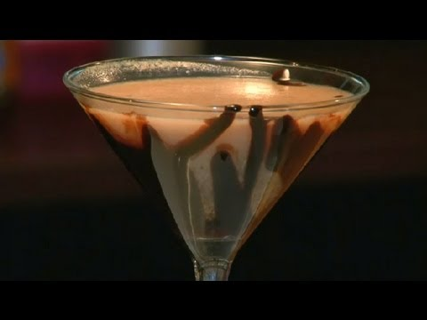 How to Make a Peanut Butter Cocktail : Cocktails & Mixology