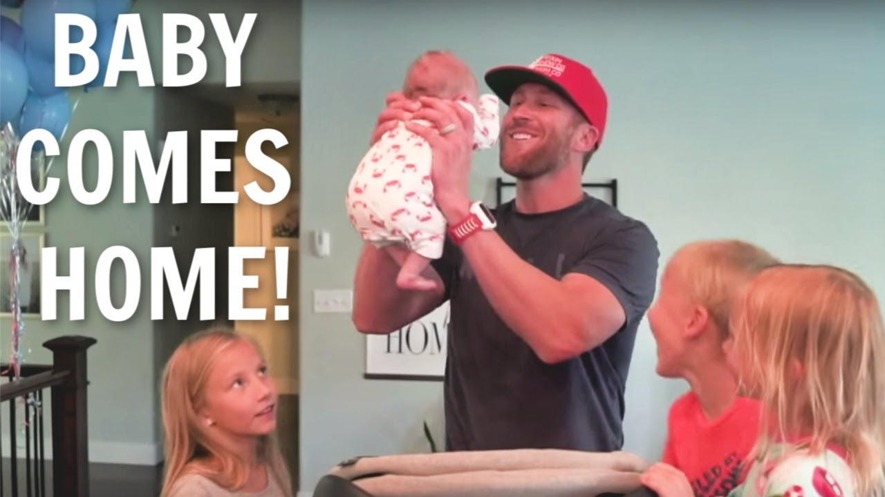 736735ba4b76 BABY FINALLY COMES HOME FROM HOSPITAL!!!! - YouTube