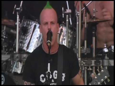 Heideroosjes - Damclub Hooligan (live Rock Werchter 2004)