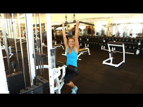 3 Ways to Work Your Back and Arms With the Lat Pull Machine ... 57b0ed7ebe