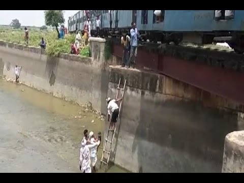 MP: 200 passengers rescued from train stuck on bridge