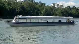 Chalupa en el Rio Urubamba