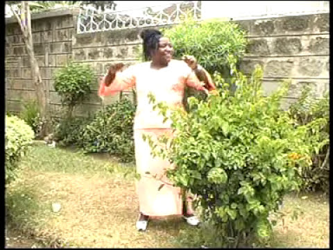Beatrice Wangui - Ni unumbuyangia (Final Video)
