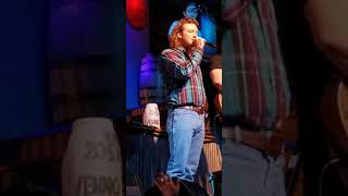Morgan Wallen shows up a lil tipsy and sings cover me up at kid rocks bar in downtown Nashville..