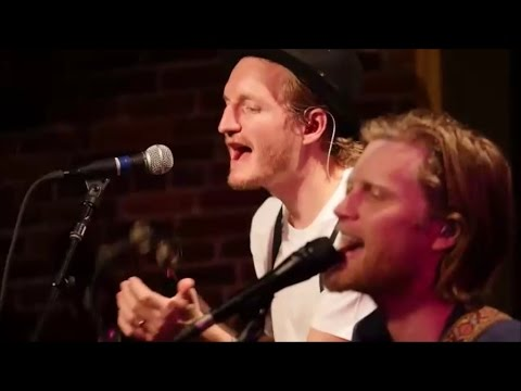 The Lumineers - Flowers In Your Hair (Live HD 2016)