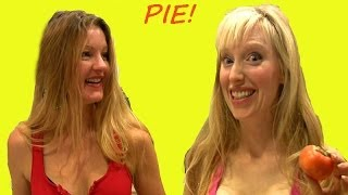 2 Blondes Make Persimmon Pie