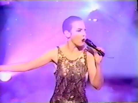 Annie Lennox TOTP 3 26 92