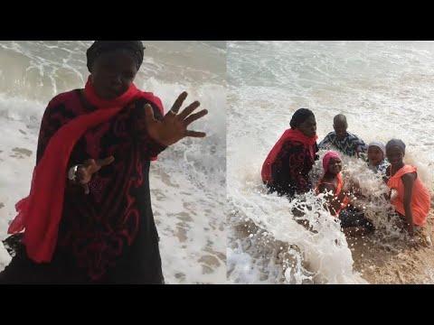 Download Mama Daso me Abin mamaki yadda Saratu Gidado Daso ta shakata da yayan ta a gabar ruwan Lagos