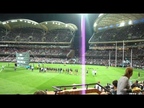 Port Adelaide vs Hawks Port run out at Adelaide oval