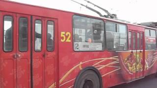 Кемерово, троллейбус №52 (ЗиУ-682В-012) - закрывание дверей(Снято 9.05.2012 (2-й маршрут), 2012-05-12T14:35:39.000Z)
