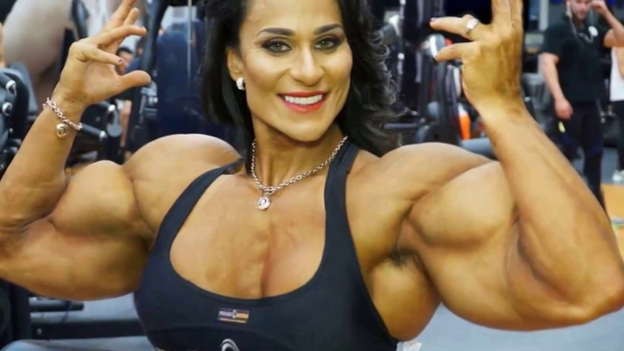 Amateur body builder woman
